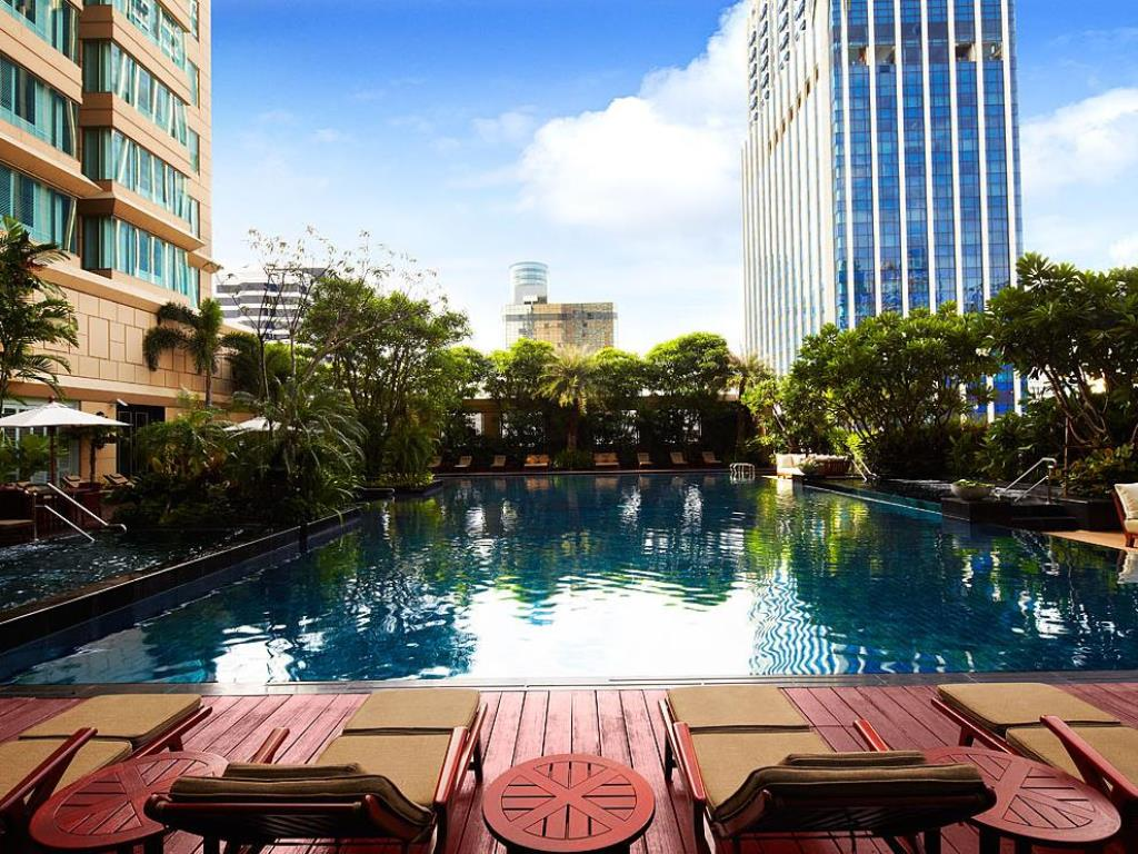 Grande Centre Point Hotel Ratchadamri Pool