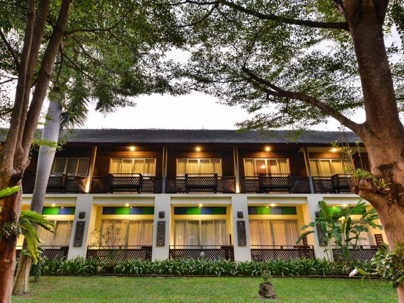 Royal River kwai Resort & Spa Outside
