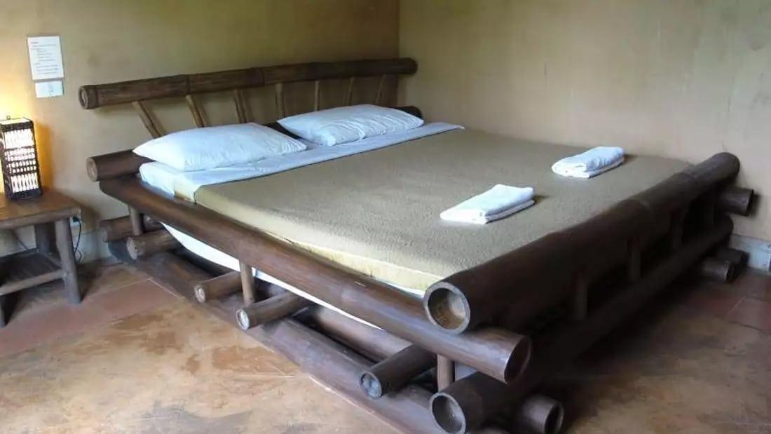 Akha River House Bed