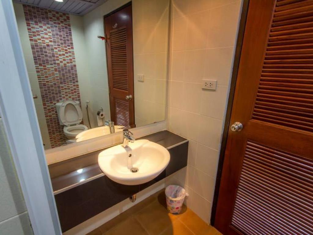 Chayadol Boutique Resort Bathroom