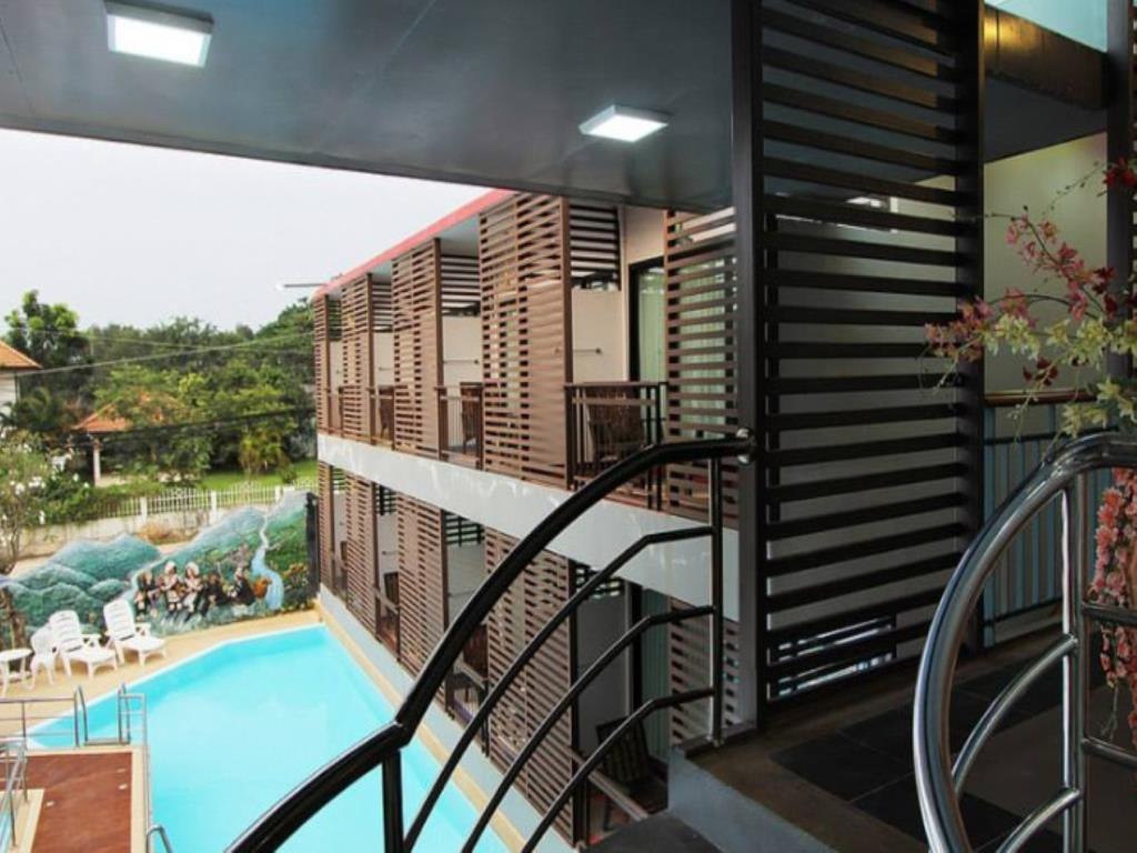 Chayadol Boutique Resort Pool Balcony