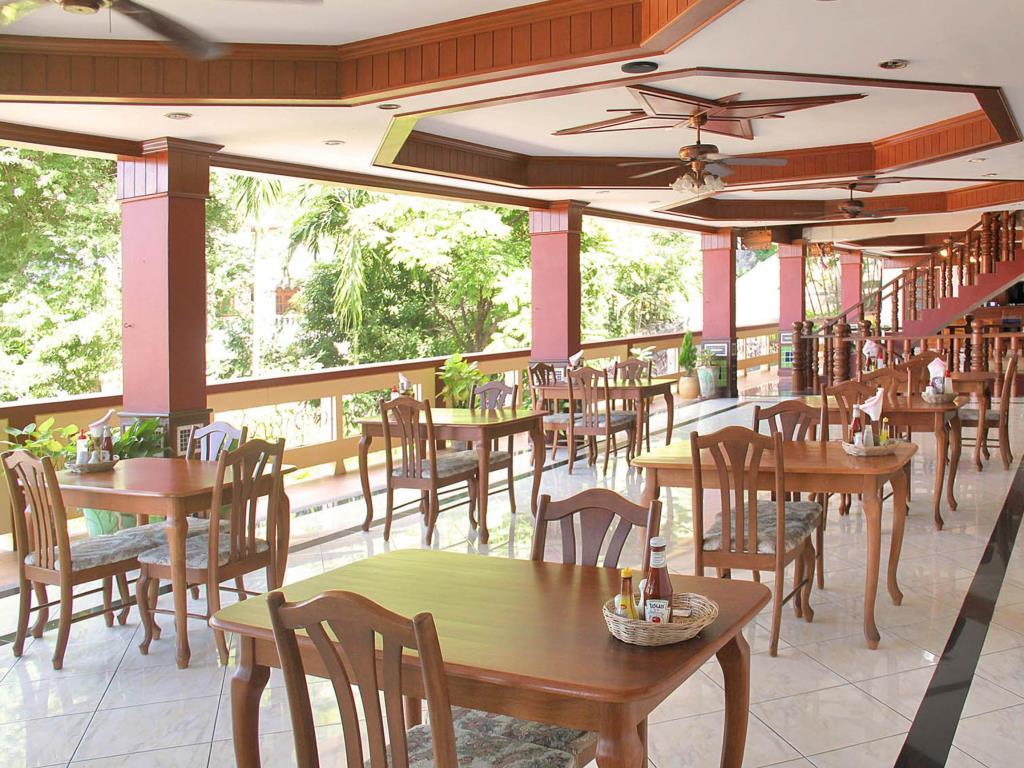 Manohra Cozy Resort Food