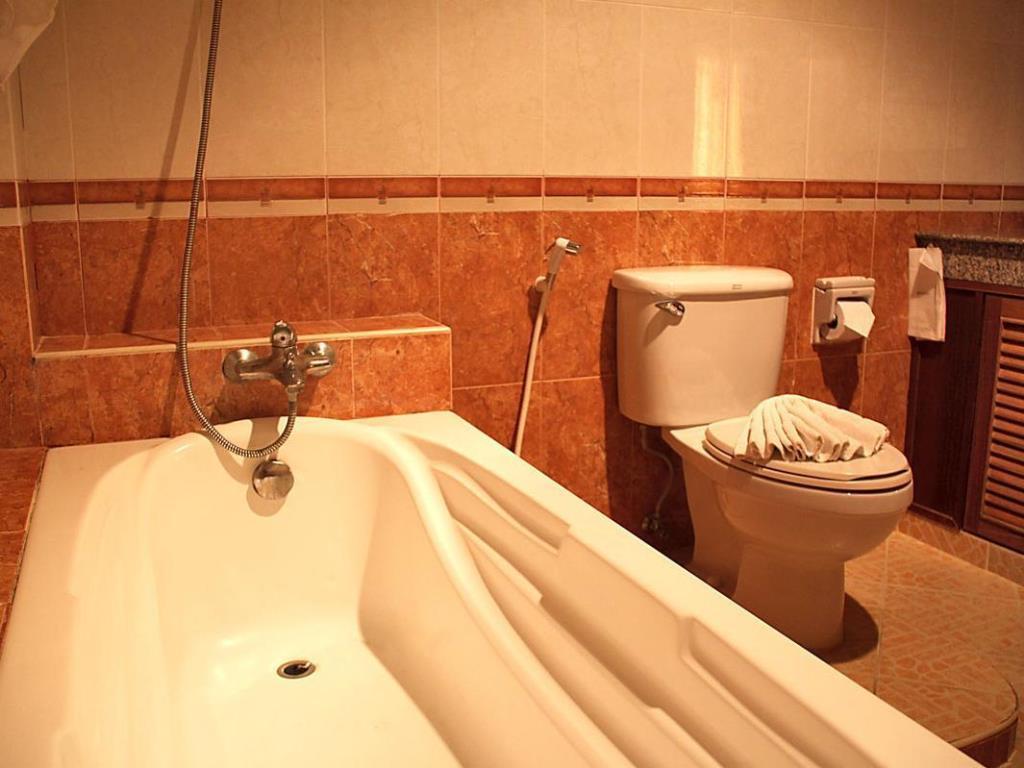 Manohra Cozy Resort Toilet