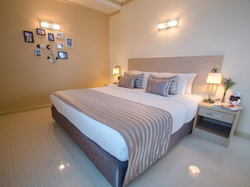 Thipurai City Hotel Double Bed