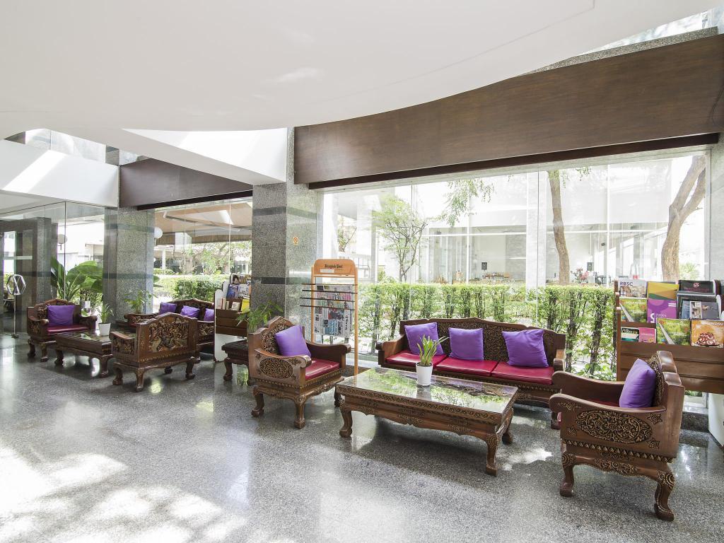 Trang Hotel Bangkok Lobby 2
