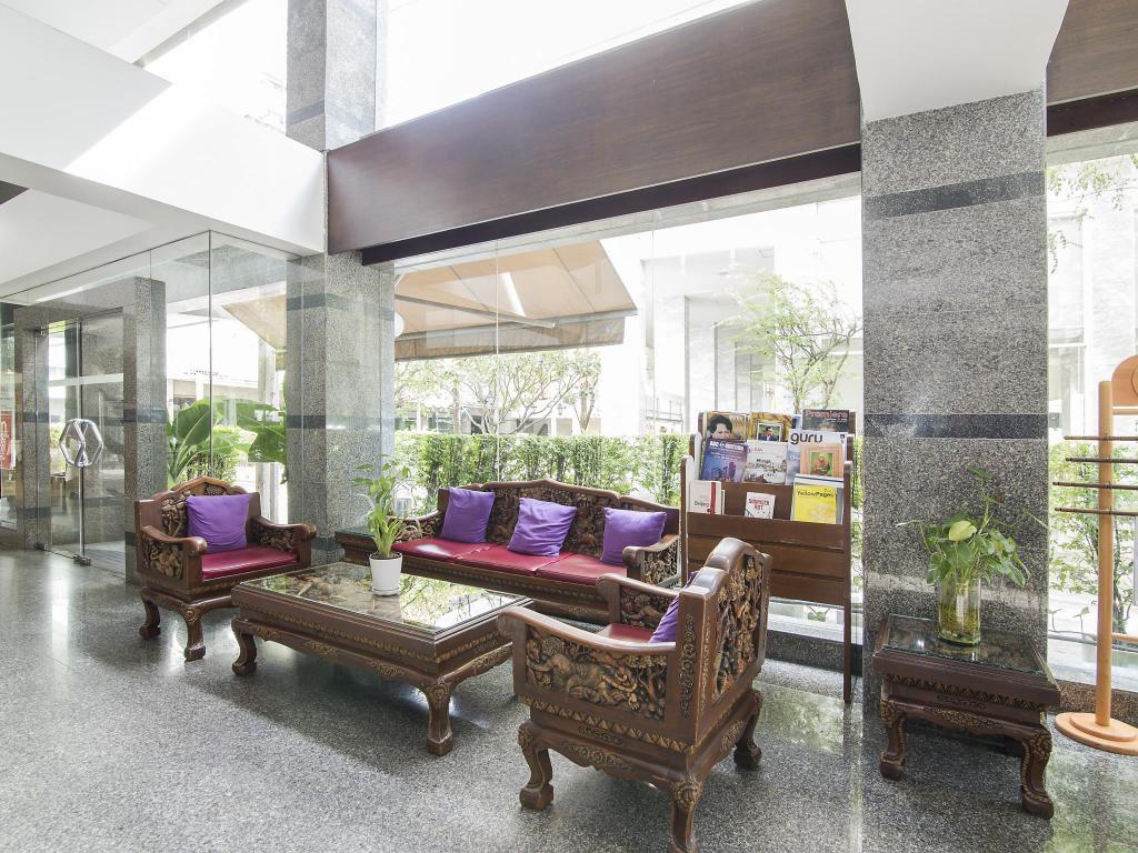 Trang Hotel Bangkok Lobby