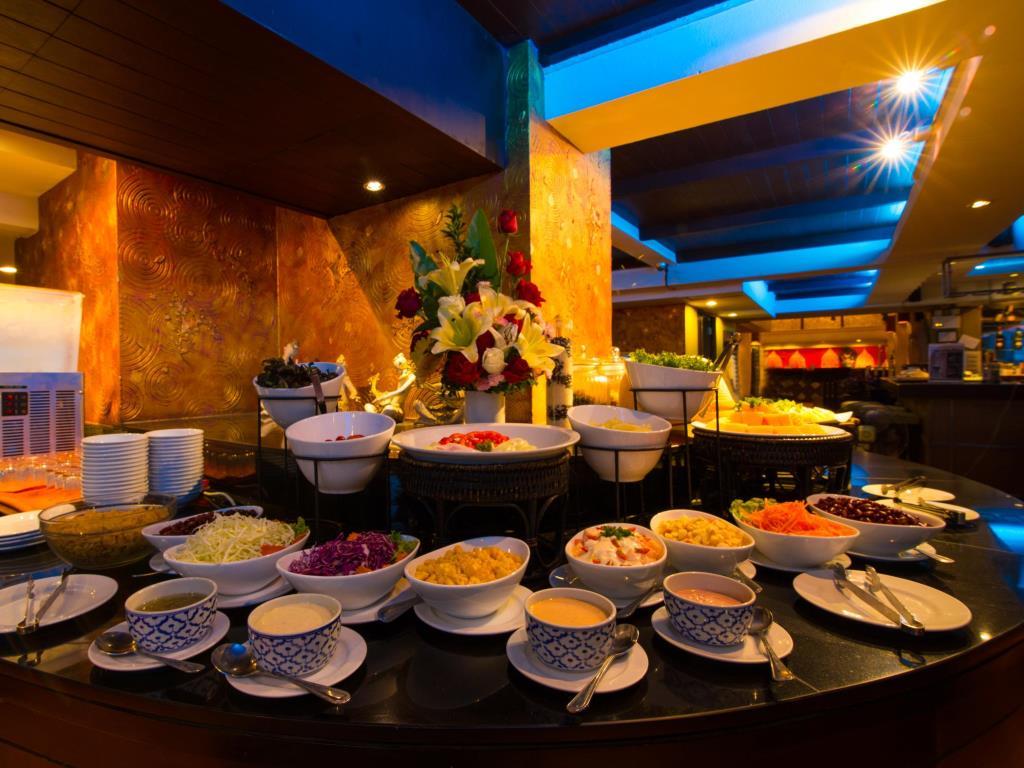 Woraburi Sukhumvit Hotel Buffet