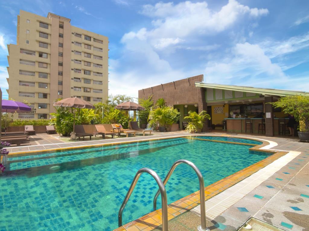 Woraburi Sukhumvit Hotel Pool