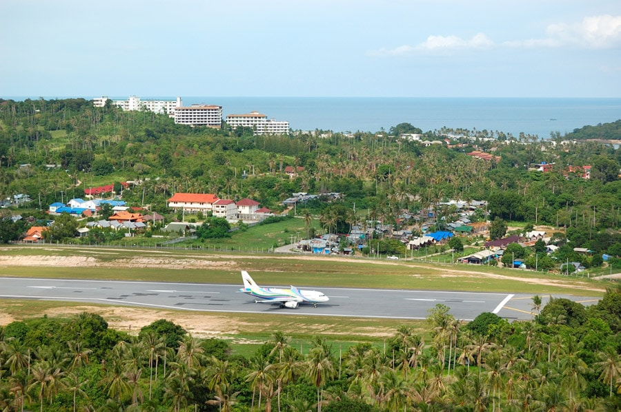plane at koh samui airport